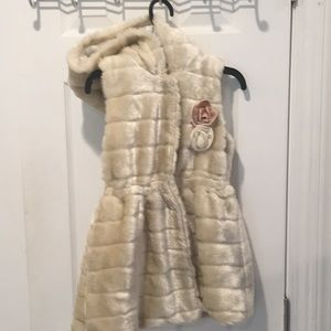 Girls Japanese faux fur hooded vest, size 10